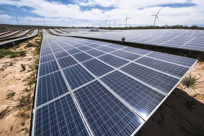 Usina em Petrolândia (PE): a energia solar representa apenas 1% da matriz energética (Germano Lüders/EXAME)